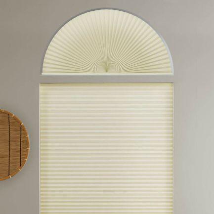 Stores cellulaires filtres de lumière à cellule simple pour fenêtres en arche