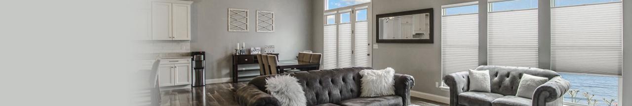 Achetez des stores pour le salon sur mesure qui s'adapteront parfaitement à votre fenêtre